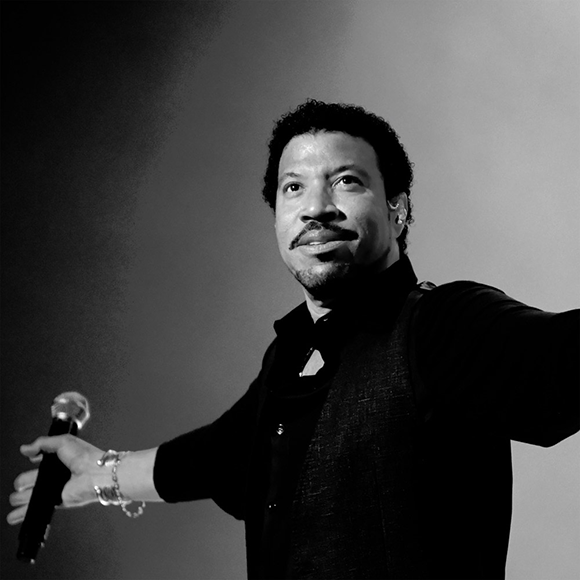 Lionel Richie: All The Hits All Night Long Tour at DTE Energy Music Theatre