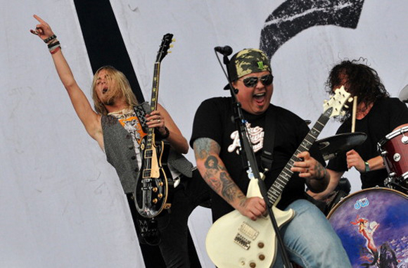 Shinedown, Halestorm, Black Stone Cherry & Whiskey Myers at DTE Energy Music Theatre