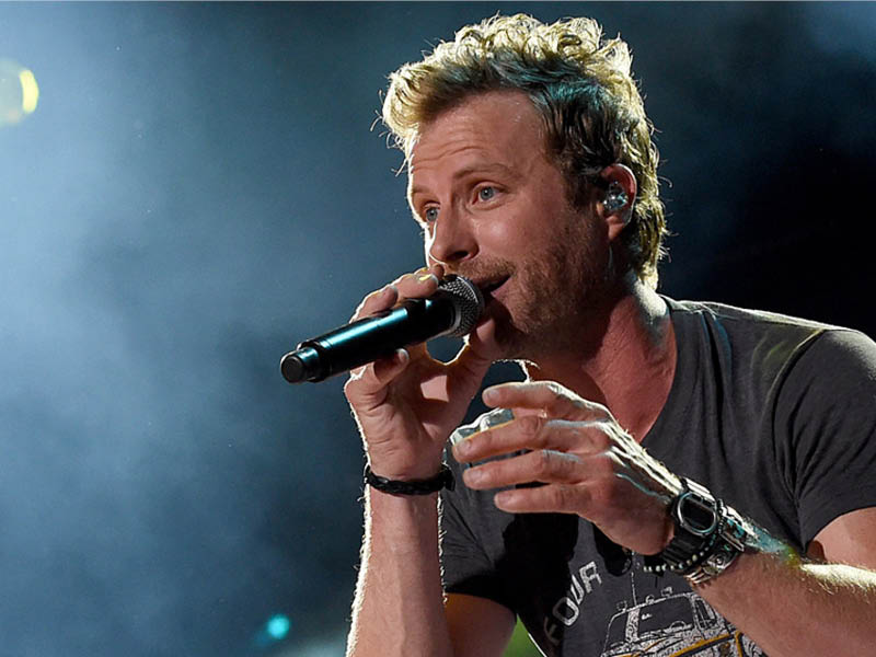 Dierks Bentley: Beers on me tour at DTE Energy Music Theatre