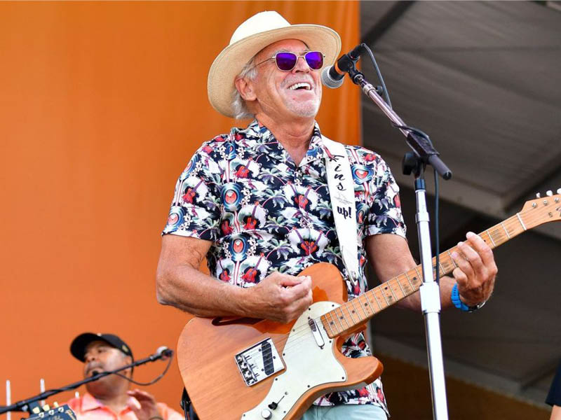 Jimmy Buffett: Life On The Flip Side Tour at DTE Energy Music Theatre